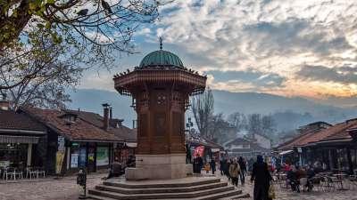 Sarajevo ciudad vieja - fuente Ibrik