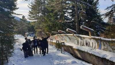pista de trineo abandonada en la montaña trebevic - tour por la ciudad  sarajevo