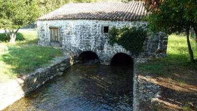 antiguo molino en el río Ljuta en Konavle