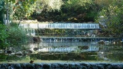 pequeñas cascadas del río Ljuta en Konavle