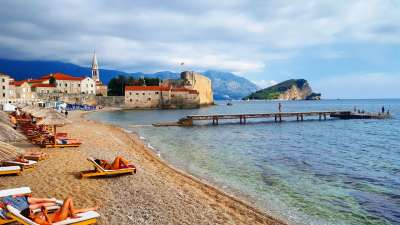 la playa en Budva en Montenegro